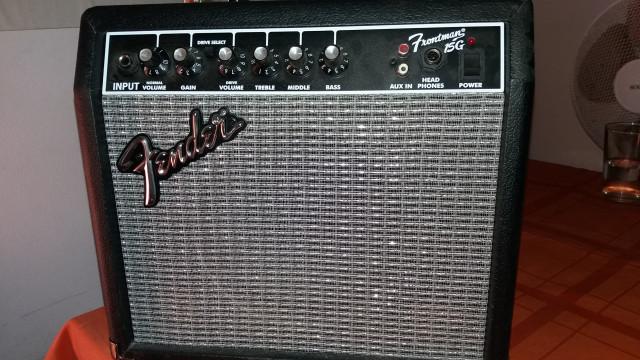 Amplificador guitarra Fender Frontman 15