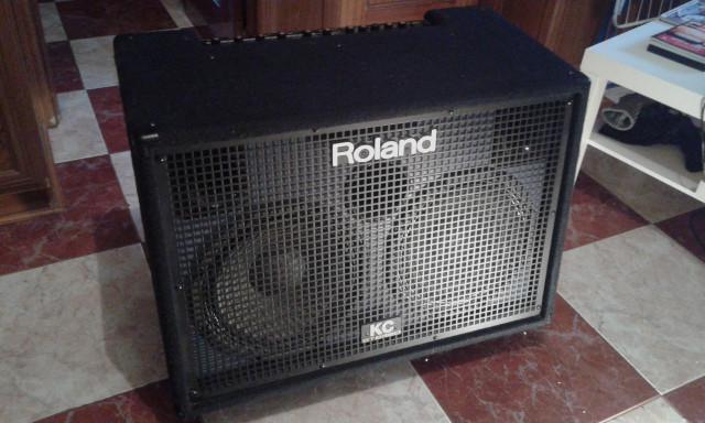 Amplificador teclado Roland KC 880 Regalo Pie Doble