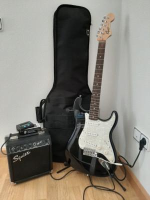 vendo Squier by Fender