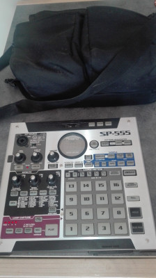Roland SP 555 (incluye funda)