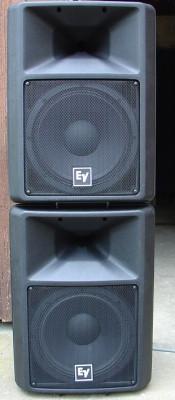 4 -Electro voice SX-300