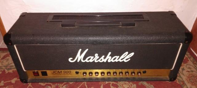Marshall JCM 900 Cabezal + Flight Case + Pantalla.