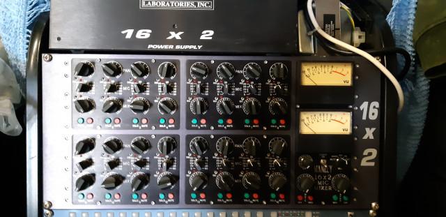mezclador sumador MANLEY 16x2 + PREVIU 16 CANALES