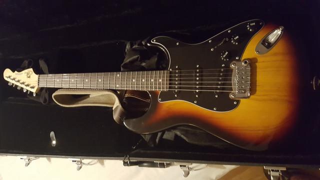 Vendo guitarra g&l tribute legacy