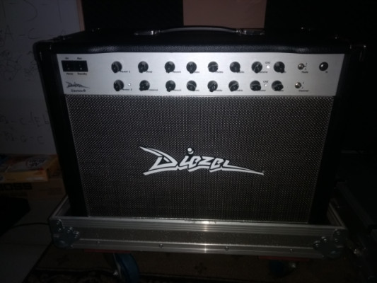 Diezel Einstein Combo 50 watts y flight case del combo
