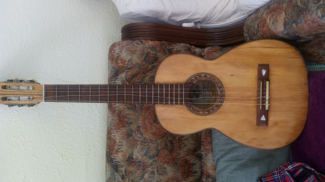 Guitarra española tipo romantica