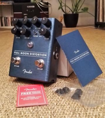 PEDAL DISTORSION Full Moon de Fender