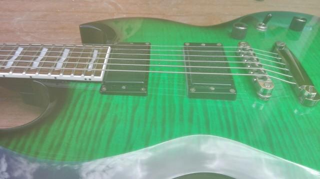 Guitarra Eléctrica LTD Viper- 330 FM