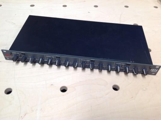 Puerta de ruido cuadruple DBX 1074