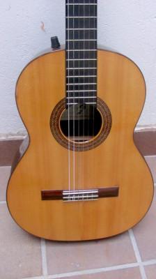 Evelio Domínguez, guitarra artesanal años 80
