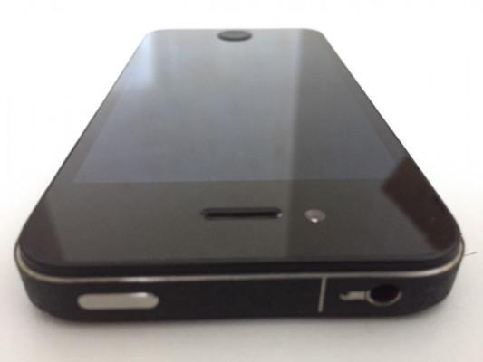 IPHONE 4S a Estrenar , como nuevo ,operador libre y Libre ICLOUD