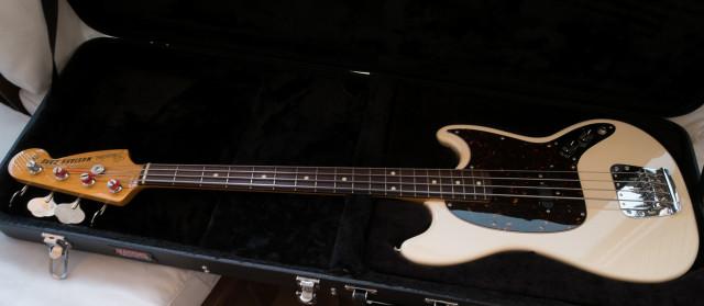 Bajo Fender Mustang Bass MIJ 66 Reissue (2016) con Lollar PIckup