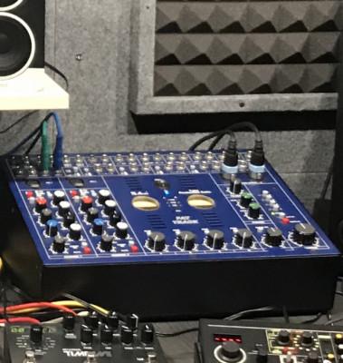 Cambio o vendo mesa TL Audio Fat Track por Compresor TL Audio