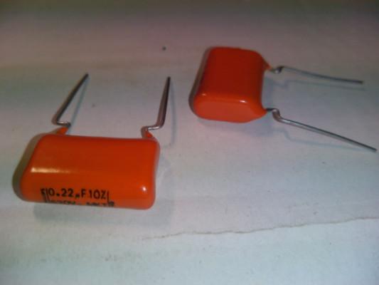 Condensador 0,22 uF 630V MKT 10% PHILIPS  Precio X10 Piezas