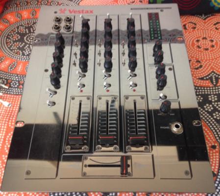 Mesa de mezclas Vestax PMC 170A