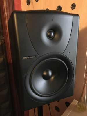 "Monitores Mackie MR8 (8"")"