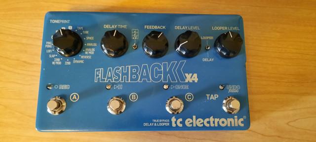 TC Electronic Flashback X4 Delay (versión 1)