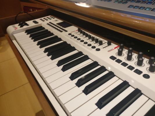 Teclado de control M-Audio Axiom Pro 61