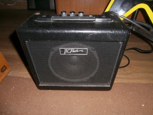 Vendo amplificador B.C Rich BCL-10