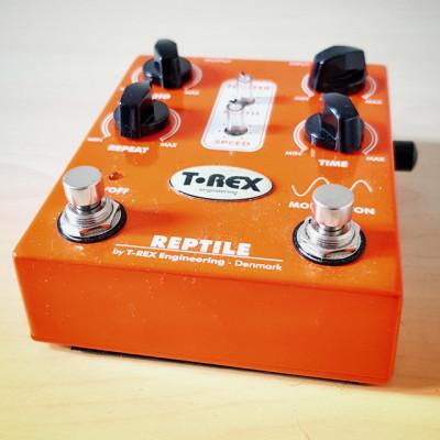 T-Rex Reptile (V.1) Delay + Modulation RESERVADO!!!!