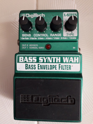 DIGITECH BASS SYNTH WAH PEDAL