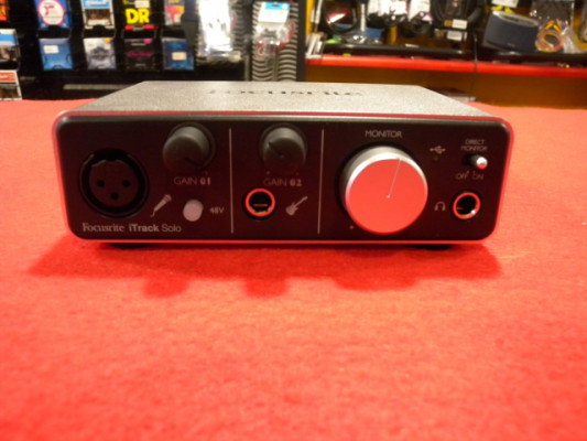 FOCUSRITE ITRACK SOLO LIGHTING
