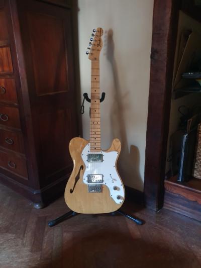 Fender thinline natural