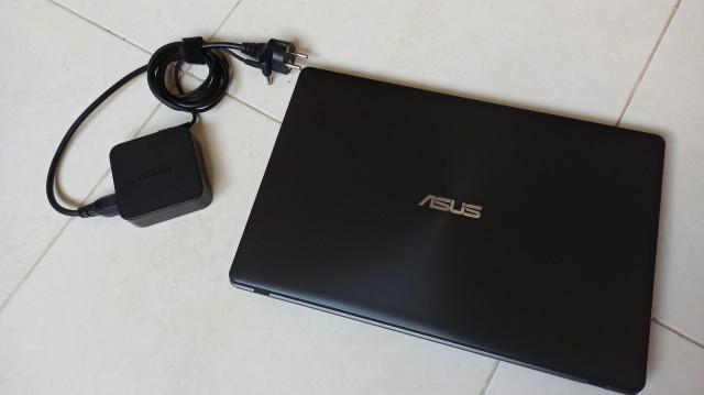 Ordenador portátil ASUS F550D - Como nuevo