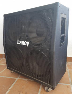 Pantalla 4 x 12, marca LANEY, modelo GS 412 LA