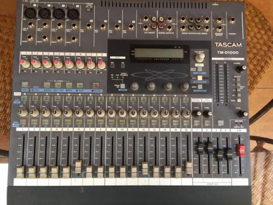 MESA DE MEZCLAS TM-D1000