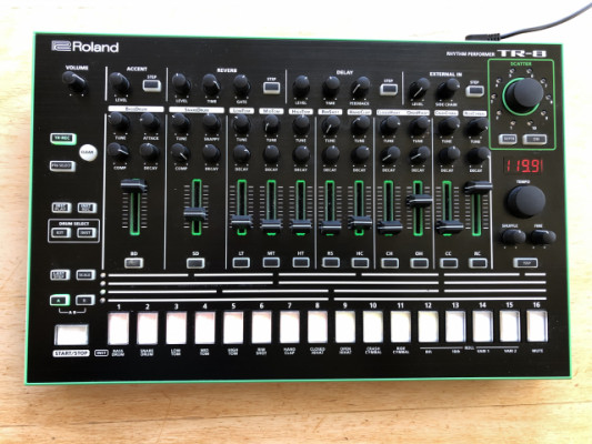 Roland TR-8 Aira