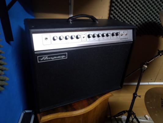 Amplificador de guitarra a válvulas de 50 W Ampeg GVT 52