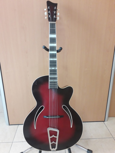 Guitarra antigua de Jazz