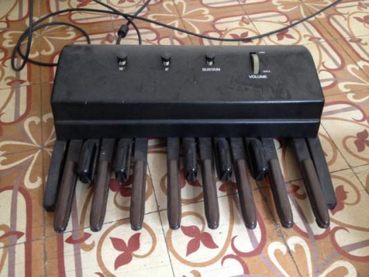 Synth pedal bajo Elka de los 80'