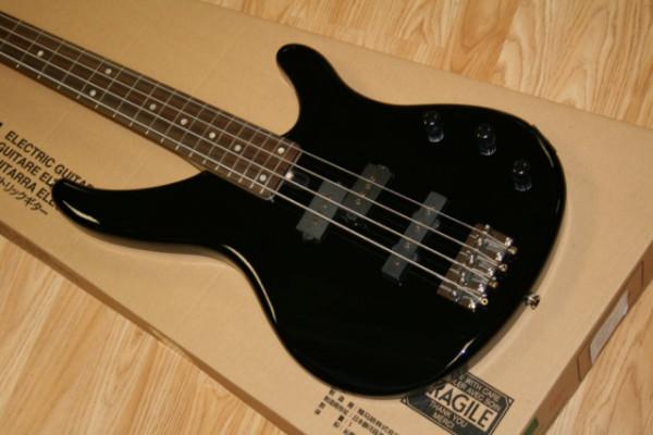 Guitarra Bajo Y previo a valvulas