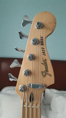 Fender Jazz Bass Deluxe V MIM cinco cuerdas