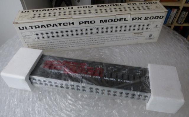 Behringer ULTRAPATCH PRO PX2000 en caja. Patchbay audio