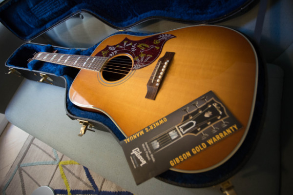 ¡REBAJA ENERO! Gibson Hummingbird HCS 2013