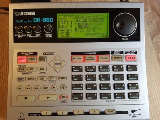 BOSS DR-880