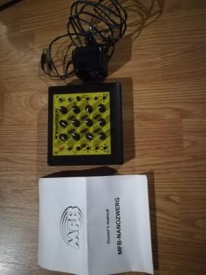Vendo sintetizador analógico monofónico MFB Nanozwerg