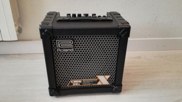 Roland Cube 20 amplificador guitarra como nuevo