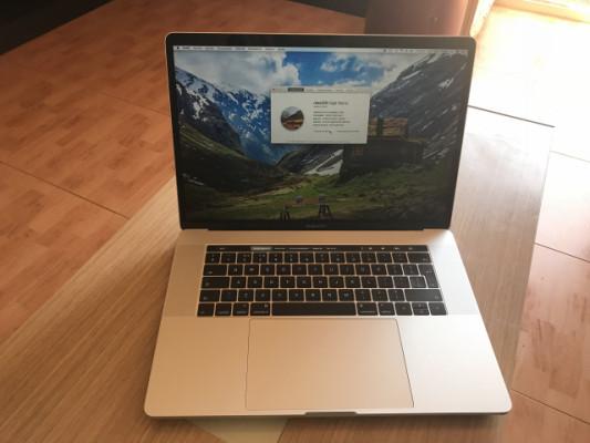 """Macbook pro retina touchbar 15"""""""