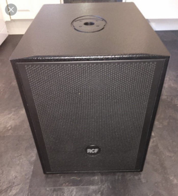 2 subs RCF 902 AS