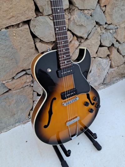 1996 Gibson ES-135 P-100, Vintage sunburst. USA. Original