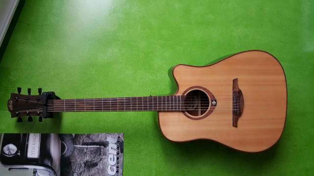 Guitarra  acústica lag tramontane made in france