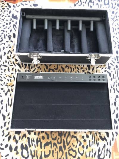 Rockcase RC23140B (soporte 5 guitarras + base pedalera)