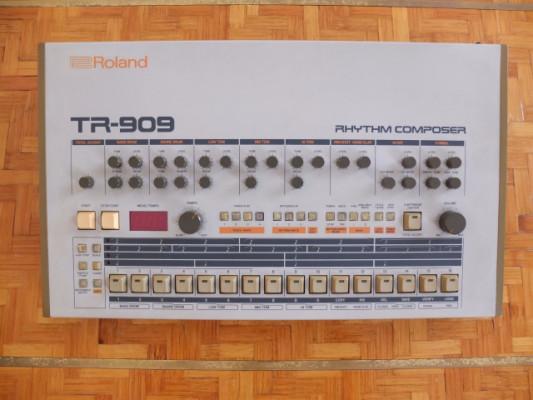 ROLAND TR-909 RHYTHM COMPOSER DRUM MACHINE