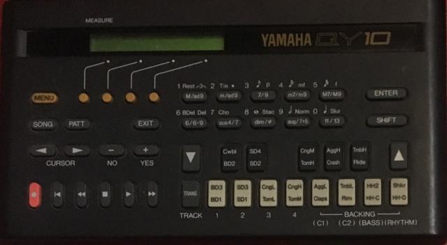 Caja de ritmo , instrumento virtual QY10