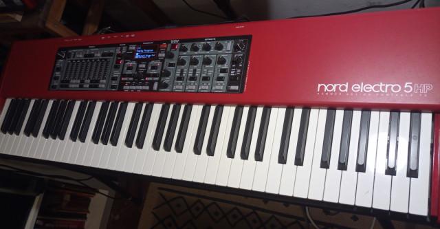Piano Teclado Nord Electro 5 HP 73
