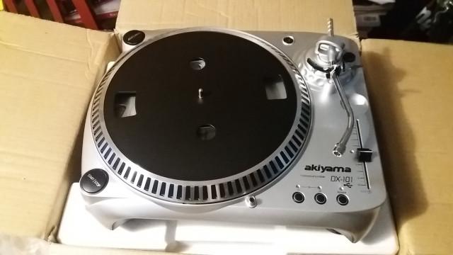 AKIYAMA DX-101 GIRADISCOS MP3